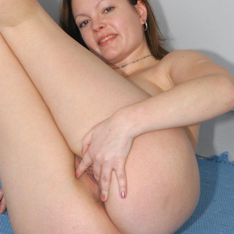 Chat sexy rencontre x Harriette Quimperle